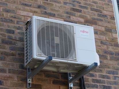 wall mounted airconditioning unit